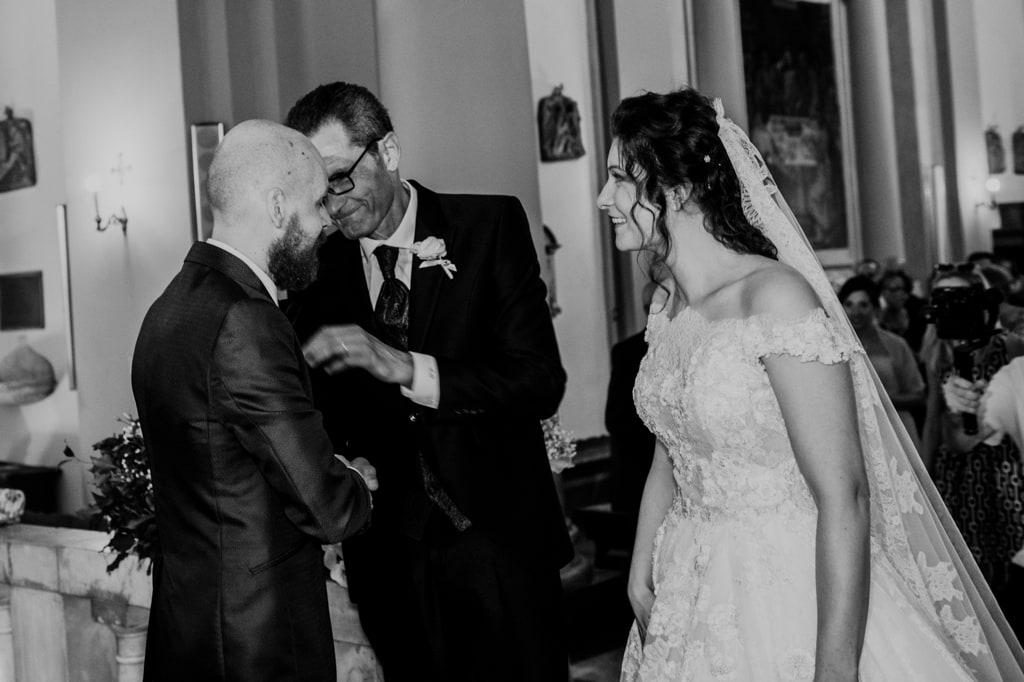 irene pollacchi fotografo matrimonio lucca 02 cerimonia scambio anelli veronica e damiano 3